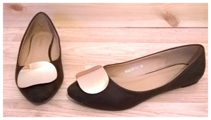 Brown Pumps with Gold Disk