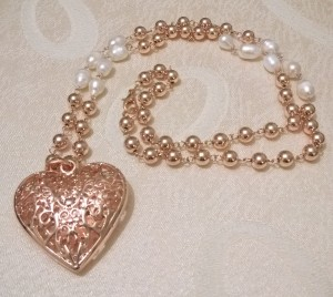 Carraig Donn Rose Gold Heart Necklace