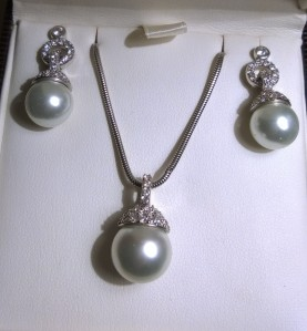 Pearl Ear Rings and Necklace